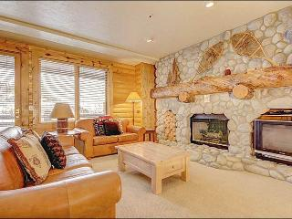 Perfect Condo for a Couples' Retreat - Cabin-Style Rustic Finishes (25331) - Utah Ski Country vacation rentals