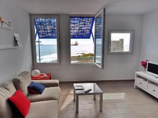 In Front Of The Atlantic & Castle - Las Palmas de Gran Canaria vacation rentals