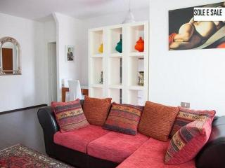 Bright 2 bedroom Apartment in Montesilvano with Internet Access - Montesilvano vacation rentals