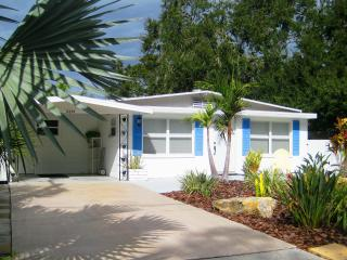 Downtown Sarasota Wood St. Cottage - Sarasota vacation rentals
