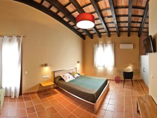 Romantic 1 bedroom Tortosa Bed and Breakfast with Internet Access - Tortosa vacation rentals