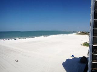 Panoramic View, Beautiful Sunsets & a Little Bit of Heaven - Fort Myers Beach vacation rentals