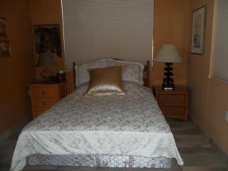 Beautiful Casita, Private Entrance in High Desert! - Green Valley vacation rentals