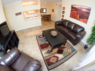 Beautiful Southwestern Condo - Phoenix vacation rentals