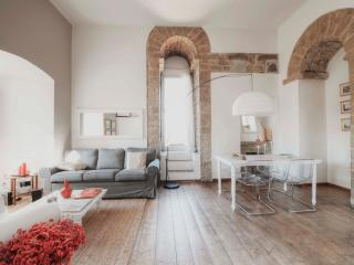 Luxury Medieval Tower Apartment Rental in Florence - Florence vacation rentals