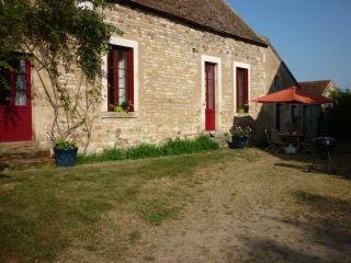 Dream in the most beautifull garden of France - Loye-sur-Arnon vacation rentals