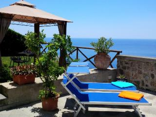 Lovely Villa with Internet Access and Dishwasher - Praiano vacation rentals