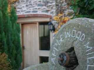 Applewood Mill Cottage, Hereford - Up to 4 guests - Petersfield vacation rentals