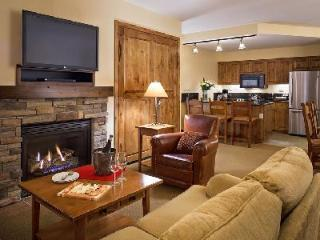 Chic Teton Mountain Lodge & Spa Two Bedroom Suite with Ski-in/ski out & jacuzzi - Jackson Hole Area vacation rentals