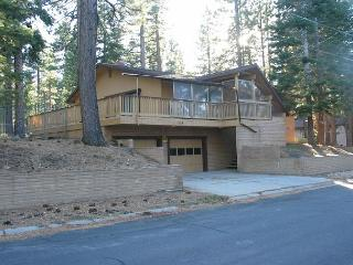 Spacious, comfortable home with private hot tub that backs to the forest! - South Lake Tahoe vacation rentals