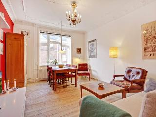 Bright and nice Copenhagen apartment at Dybboelsbro st. - Copenhagen vacation rentals