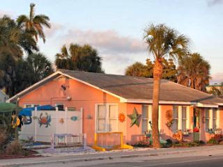 Coral Cottage 2 BR in Anna Maria 1 Blk to Beach - Florida South Central Gulf Coast vacation rentals