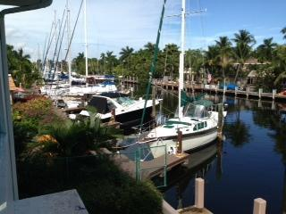 balcony - Las Olas Terrace Apt Water front walk to beach 10 - Fort Lauderdale - rentals