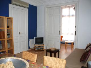 Eixample Barcelona center 3 bedrooms with terrace - Barcelona vacation rentals