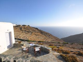 Perfect Villa with Internet Access and Dishwasher - Folegandros vacation rentals
