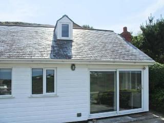 SEACOTT, sea views, woodburner, en-suite, detached cottage in Porthtowan, Ref. 25945 - Porthtowan vacation rentals
