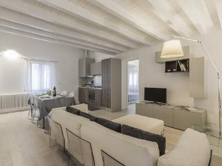 Ca' Rossini 2 - Venice vacation rentals