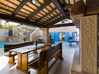 Restored old Istrian villa with heated private pool and wine cellar - Barat vacation rentals