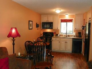 Waterville Estates 2 bedroom condo near Rec Center (MCL7M) - White Mountains vacation rentals