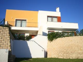 127655 - 3 Bedroom Modern Villa in Bom Sucesso, Obidos Lagoon - Sleeps 6/8 - Obidos vacation rentals