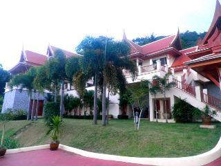 KATA SEA BREEZE - LARGE 4 BED, SEA VIEW, POOL VILLA - Kata vacation rentals