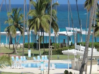 Playa Turquesa Designer 2BR Ocean View PH w/loft - Punta Cana vacation rentals