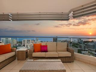 Darwin Executive Suites 3 Bedrooms + FREE CAR - Top End vacation rentals