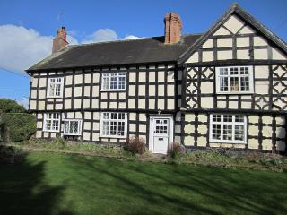 Tudor House B&B Leominster - closed for refurbishment until further notice - Leominster vacation rentals