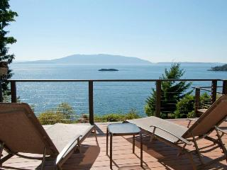 Waterfront with Panoramic View of San Juan Islands - Bellingham vacation rentals