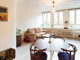Bright Apartment in Antwerpen with Satellite Or Cable TV, sleeps 4 - Antwerpen vacation rentals