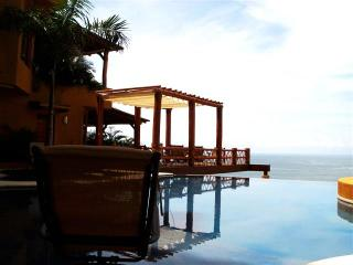 DEAL! Oceanview Penthouse Zihuatanejo 4  Rent - Zihuatanejo vacation rentals