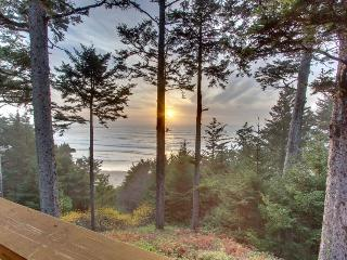 Oceanfront home w/ amazing views - walk right to the beach! - Otter Rock vacation rentals