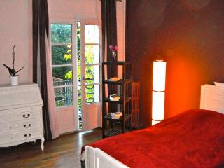 Charming 1 bedroom Condo in Tours with Internet Access - Tours vacation rentals