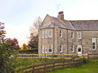 PRIORY VIEW pet-friendly, woodburning stove, lovely views in Ulverston Ref 17105 - Ulverston vacation rentals