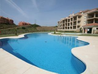 Swimming Pool - LUXURY APARTMENT FOR HOLIDAY MAKERS & KEEN GOLFERS - La Cala de Mijas - rentals