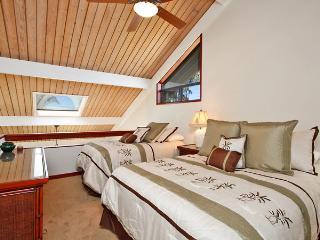 Unit 05 Ocean Front Prime Luxury 2 Bedroom Condo - Lahaina vacation rentals