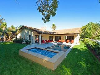 Casa Anjelika- pristine grounds- pool, jacuzzi & fire pit, central location - Burbank vacation rentals
