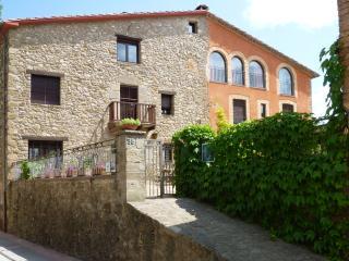 Holiday house to rent, la Garrotxa - Casa Mieres. - Province of Girona vacation rentals