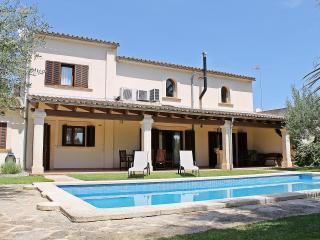 Chalet Can Torres - Vilafranca de Bonany vacation rentals