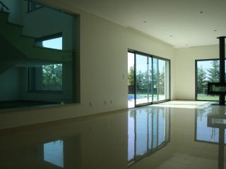 River and City views, 5 Bedroom Villa with private pool 10 minutes from Lisbon - Alcochete - Alcochete vacation rentals