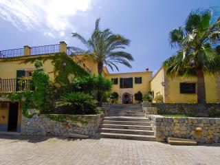 Superb Villa 5 minutes from the beach - Llubi vacation rentals