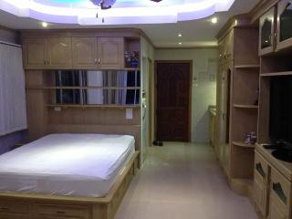 Beautiful corner apartment (426) in centre Jomtien - Na Chom Thian vacation rentals