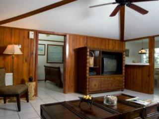 King's Crown - Family Garden Cottage - Marathon vacation rentals