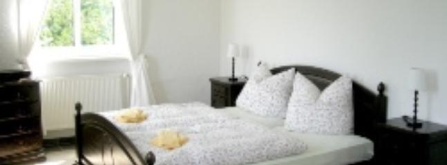 Vacation Apartment in Schwerin - 323 sqft, central, elegant, comfortable (# 4522) - Schwerin vacation rentals