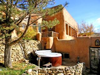 Adobe Hacienda cottage - Ranchos De Taos vacation rentals