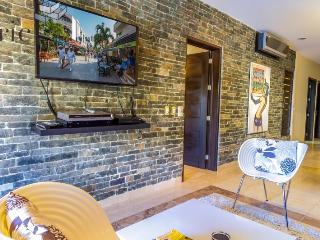 Ocean Front Condo with full amenities and Services - Playa del Carmen vacation rentals