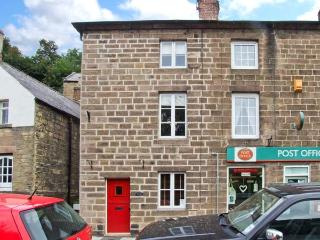 POST OFFICE COTTAGE, WiFi, close to amenities, pretty views, three-storey cottage in Cromford, Ref. 25756 - Ashover vacation rentals