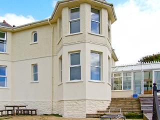 BRYN EGLWYS, detached Edwardian property, en-suite, sea views in Llanaber, Ref 28909 - Llanaber vacation rentals