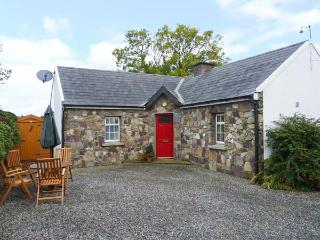 ROSE COTTAGE, pet-friendly, open fire, open plan living, all ground floor, detached cottage near Duncannon, Ref. 28923 - Duncannon vacation rentals