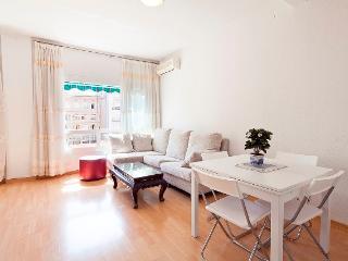 GEMÜTLICH ROGER - Barcelona vacation rentals